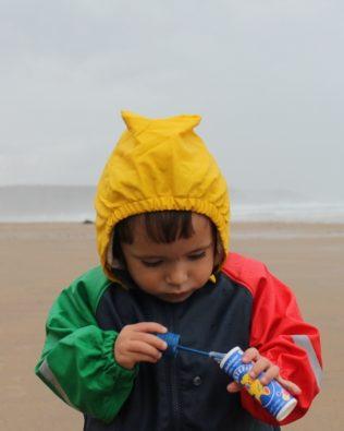 Chaquetas impermeables infantiles de colores Ocean