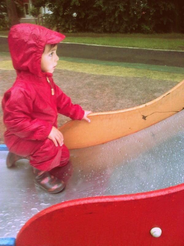 Juegos libres en parques infantiles