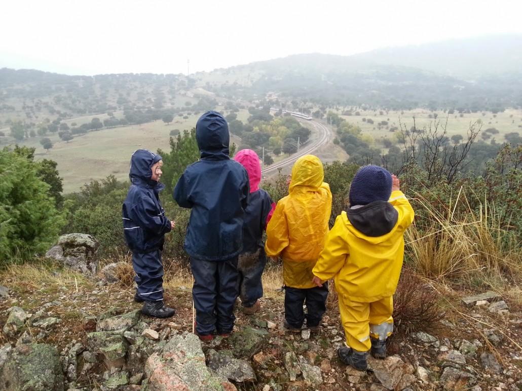 Fotografía de Grupo de Juego en la Naturaleza Saltamontes
