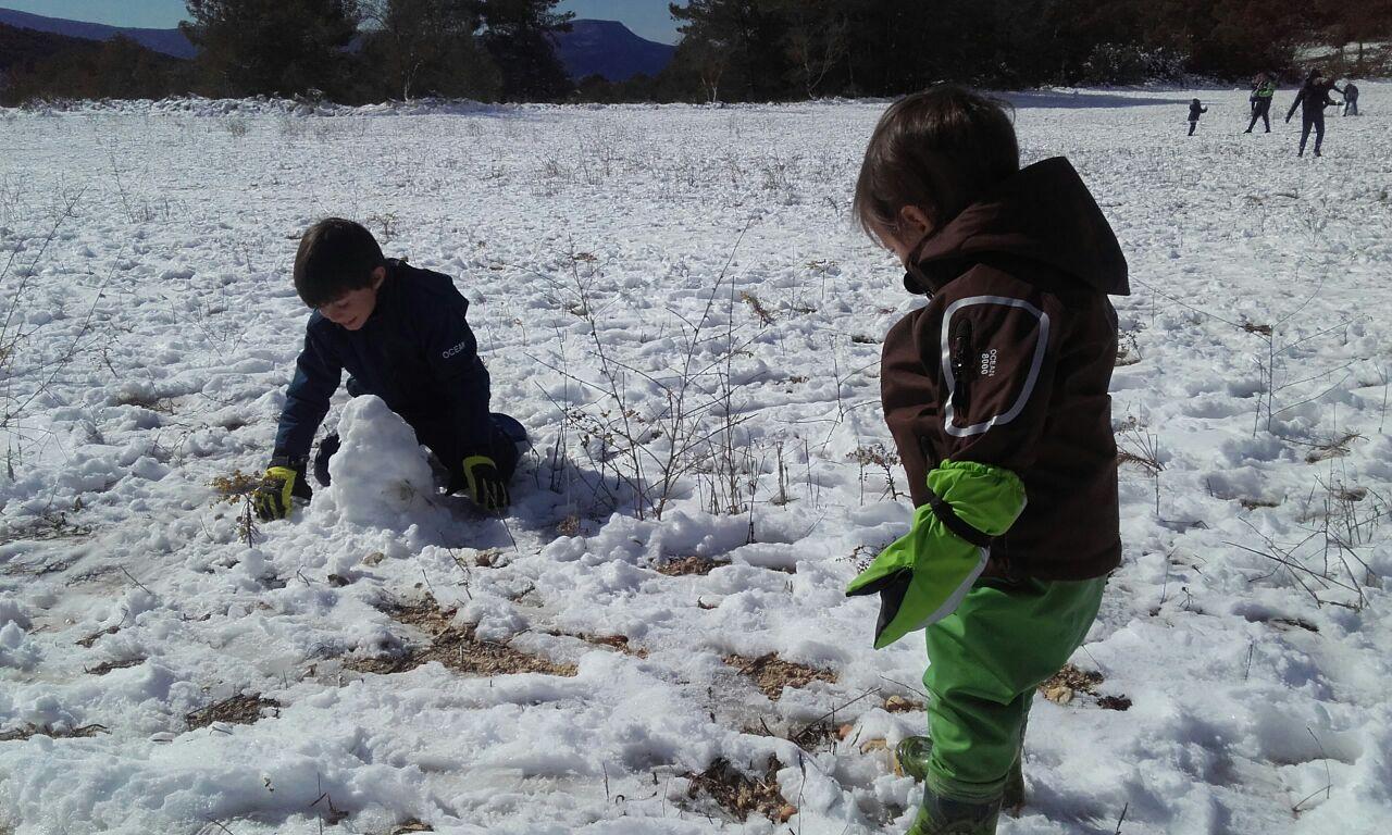 niños nieve