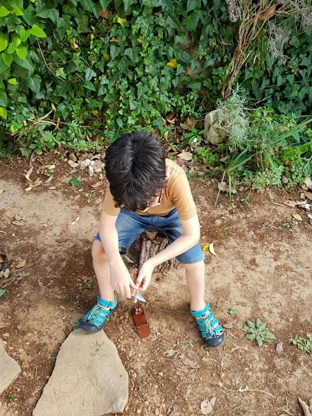 Guía para usar cuchillos y herramientas reales con niñas y niños