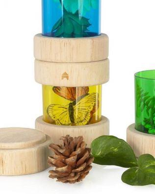 Tubos traslúcidos de colores para tesoros naturales