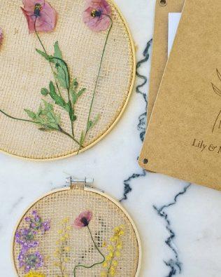 Kit para crear un bastidor de flores prensadas – Lily & Mel